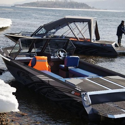 Aluminum water jet boat (motor boat, water jet boat) Rosomaha with water jet engine (motor) on Enisey river